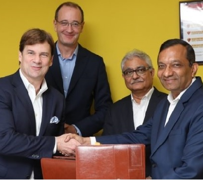 MAHINDRA AND FORD SIGN MOUS